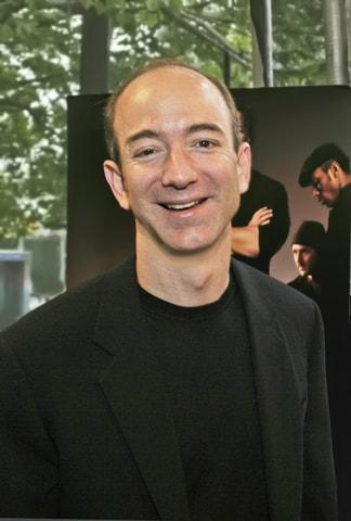 Najbhohatší v roku 2017 Jeff Bezos